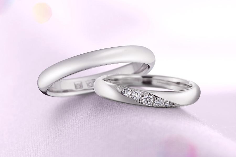 ハナジマオリジナルマリッジリング。厳選したダイヤモンドを使用。