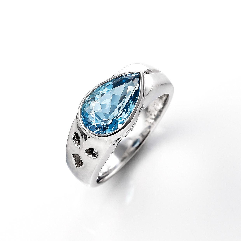 ペアシェイプのアクアマリンとダイヤモンドのリング 02