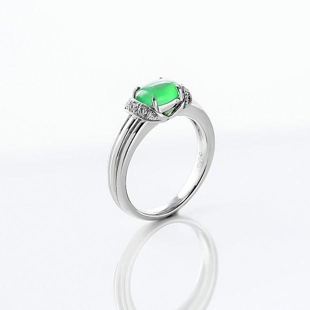 ヒスイとダイヤモンドのリング 02