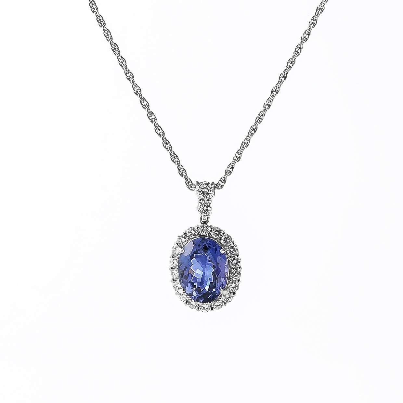タンザナイトとダイヤモンドのネックレス 01