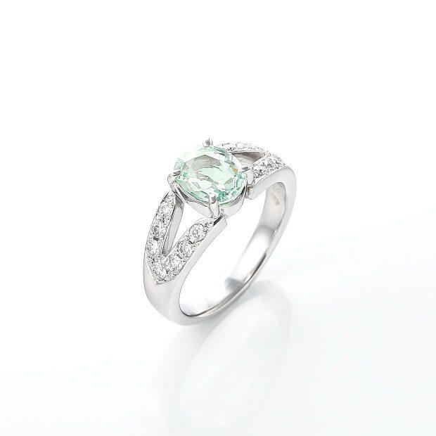 グロッシュラーガーネットとダイヤモンドのリング 02