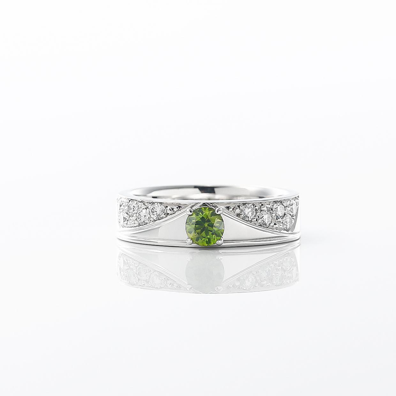 デマントイドガーネットとダイヤモンドのリング 01