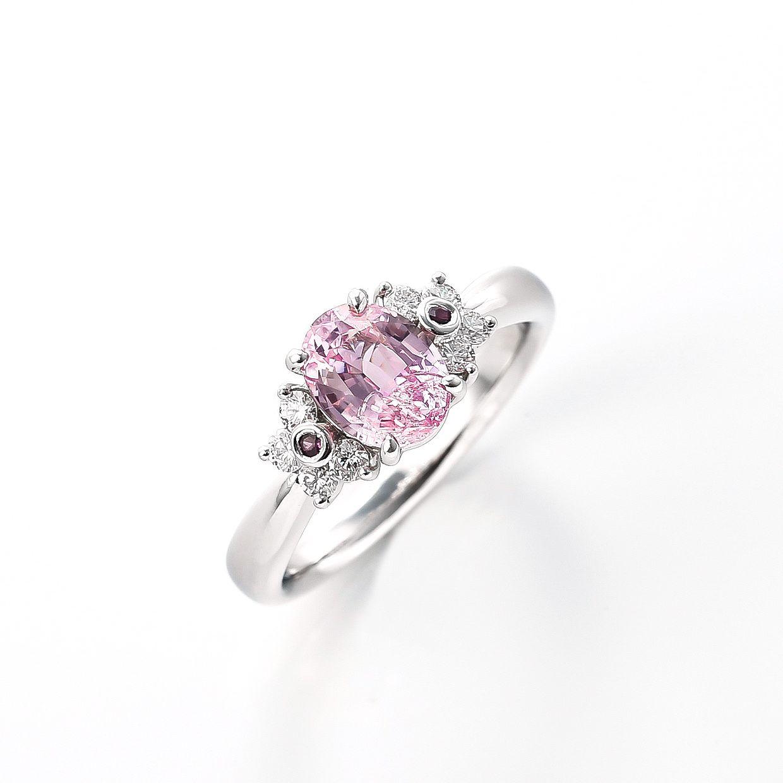 パパラチアサファイアにルビーを添えたダイヤモンドのリング 01