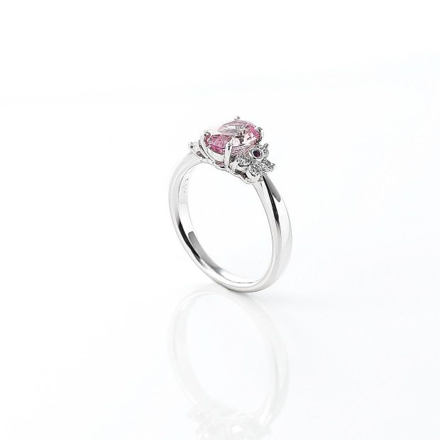 パパラチアサファイアにルビーを添えたダイヤモンドのリング 02