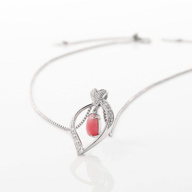 コンクパールとダイヤモンドのネックレス 02