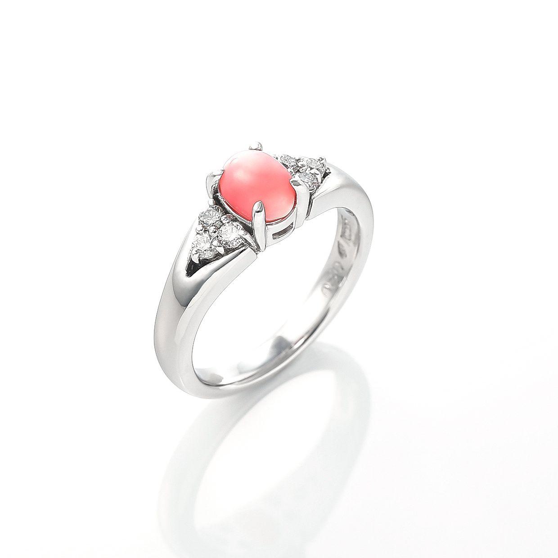 コンクパールとダイヤモンドのリング 01