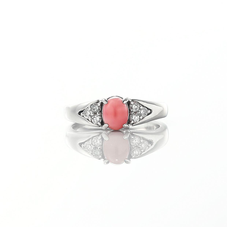 コンクパールとダイヤモンドのリング 02