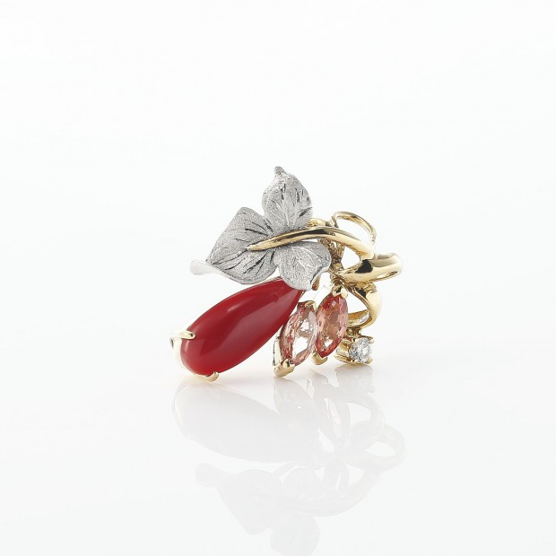 血赤珊瑚のネックレス 03