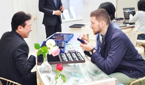 宝石(特にラザールダイヤモンド)についてもテラッチェロマーレのCEO Mr.FONTANA氏は関心を示された様子。