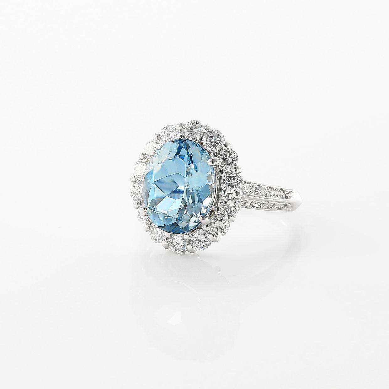 オーバル取巻きダイヤのアクアマリンリング02