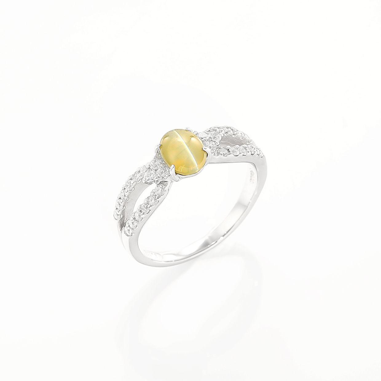 キャッツアイのダイヤモンドリング 01