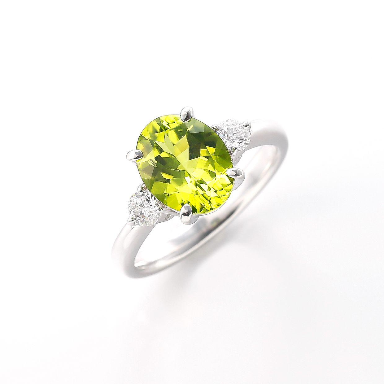 ペリドットとダイヤモンドのシンプルなリング 01