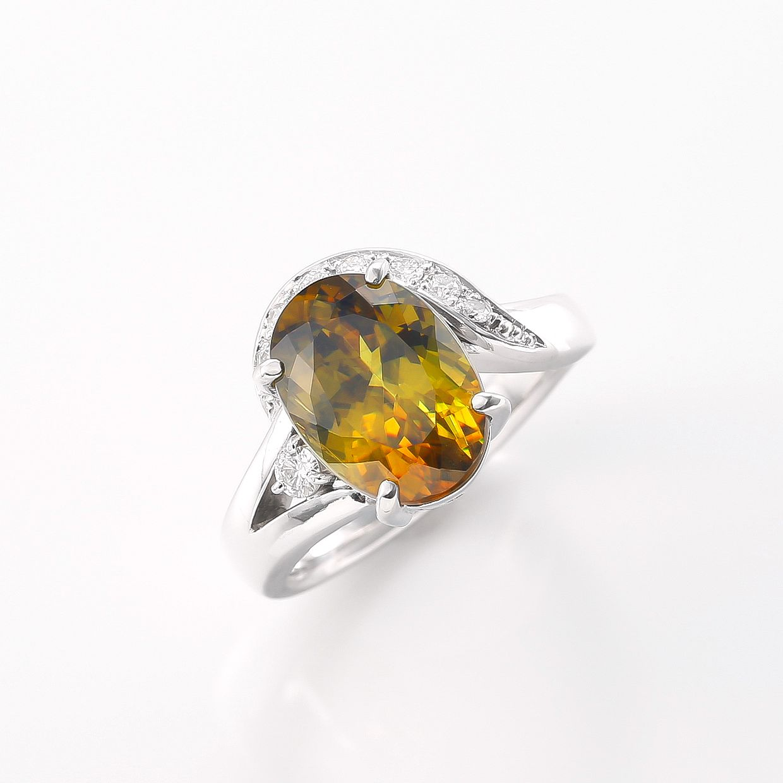スフェーンとダイヤモンドのリング 01