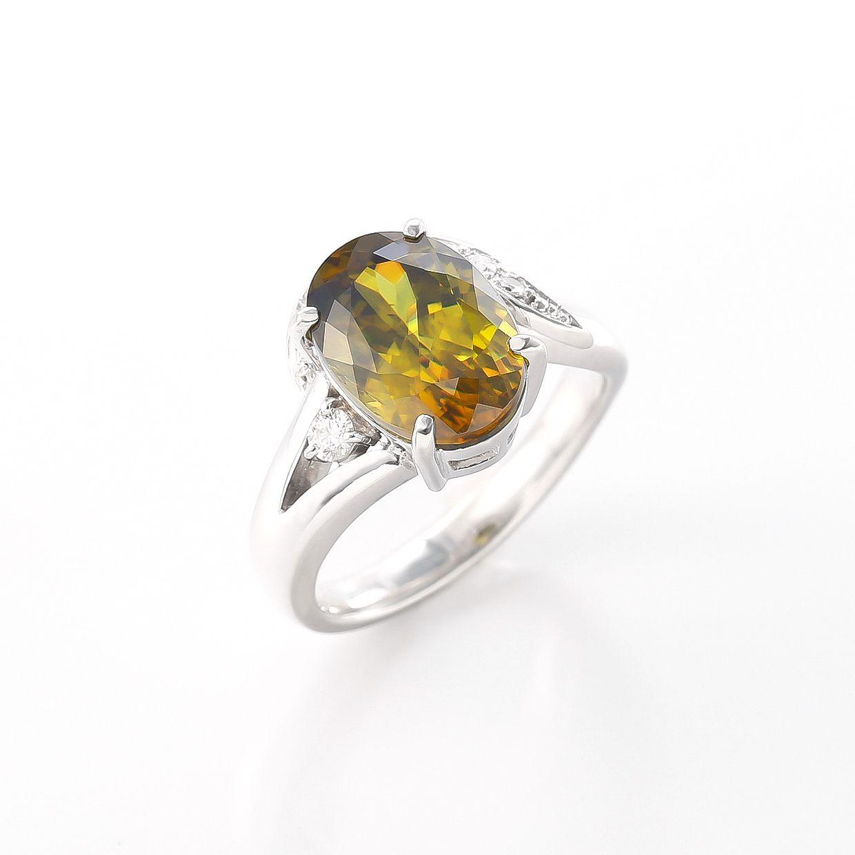 スフェーンとダイヤモンドのリング 02