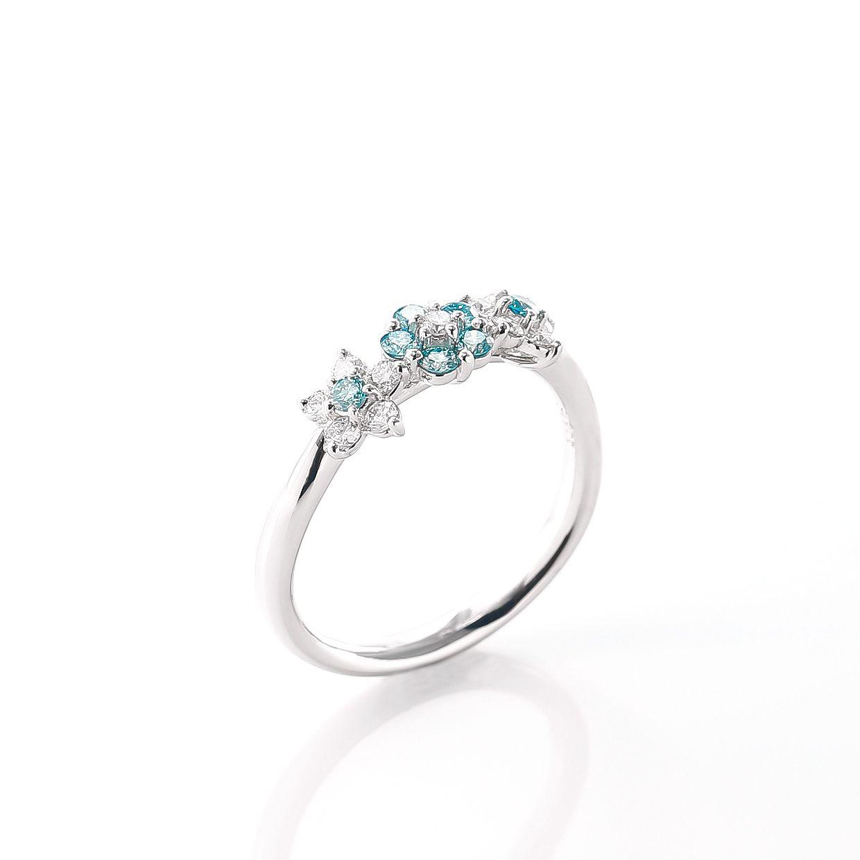 プラチナのブルーダイヤリング 02
