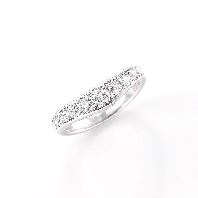 プラチナのラザールダイヤリング 01