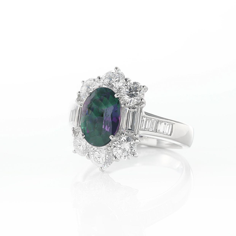 アレキサンドライトとダイヤモンドのリング 01