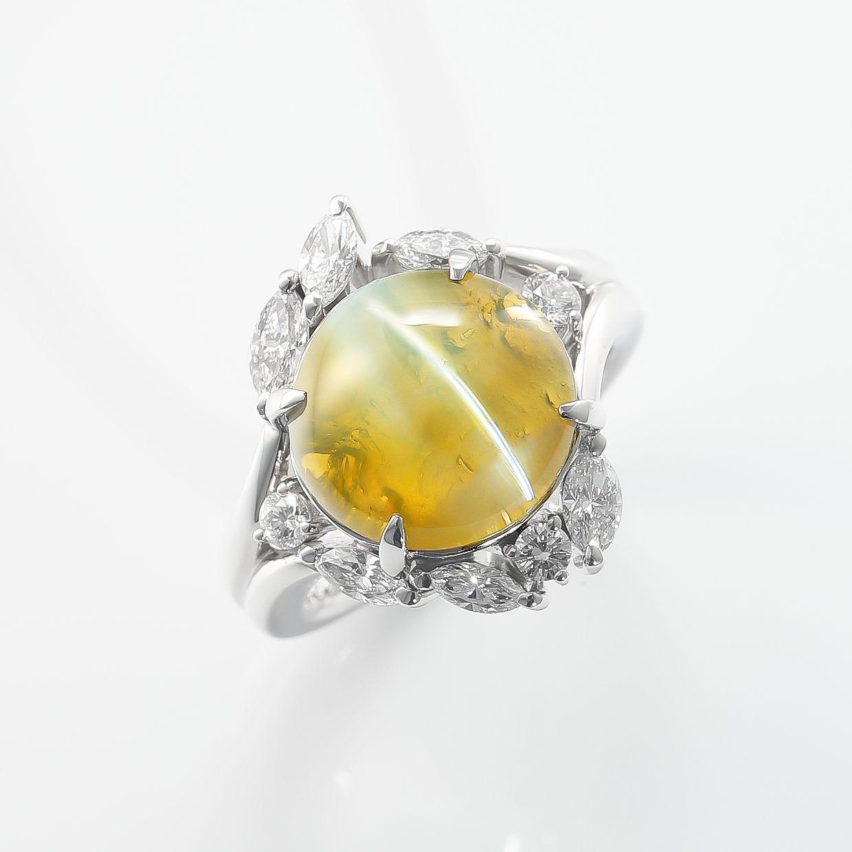 大粒のキャッツアイとダイヤモンドのリング 01
