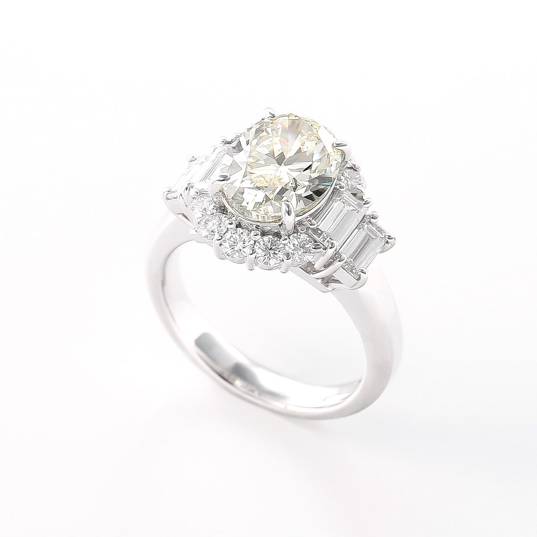 3ctオーバーの大粒に輝くオーバルダイヤモンドリング 02