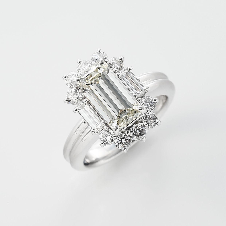 3ct越えのエメラルドカットラザールダイヤモンド最高峰リング01