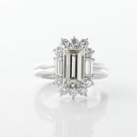 3ct越えのエメラルドカットラザールダイヤモンド最高峰リング02