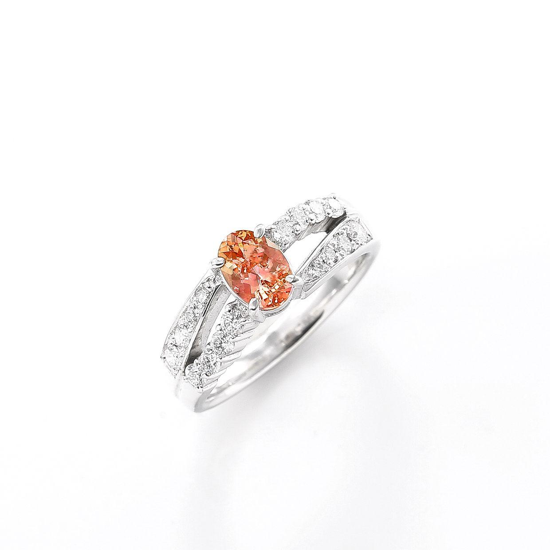インペリアルトパーズとダイヤモンドのリング 01