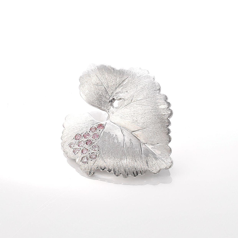 ピンクダイヤモンドの葉っぱのネックレス 01