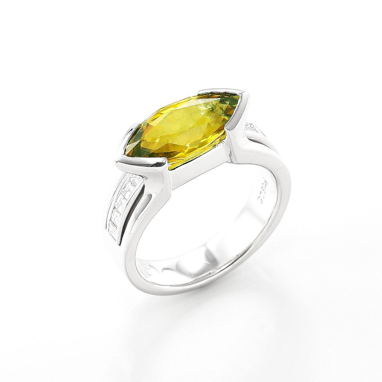 スフェーンとダイヤモンドのリング01