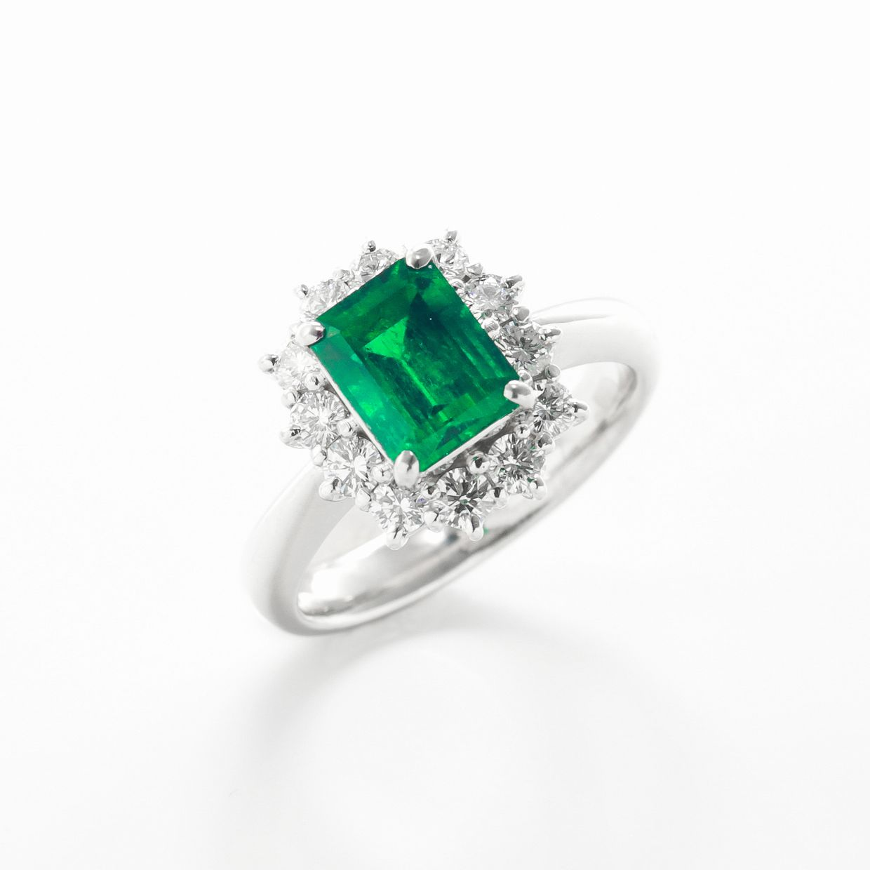 エメラルドとダイヤモンドのリング02