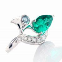 エメラルドとダイヤモンドのペンダント01