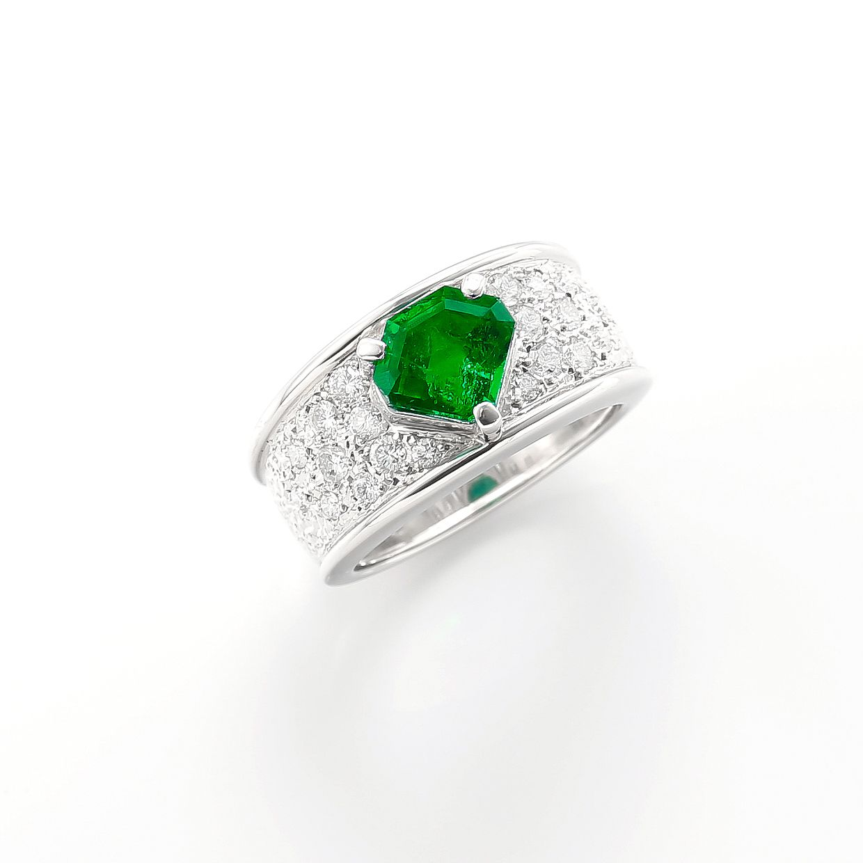 エメラルドとダイヤモンドのリング01