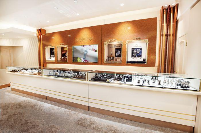 2017年3月リニューアルした1階フロアの厳選腕時計カウンタ_株式会社ハナジマ