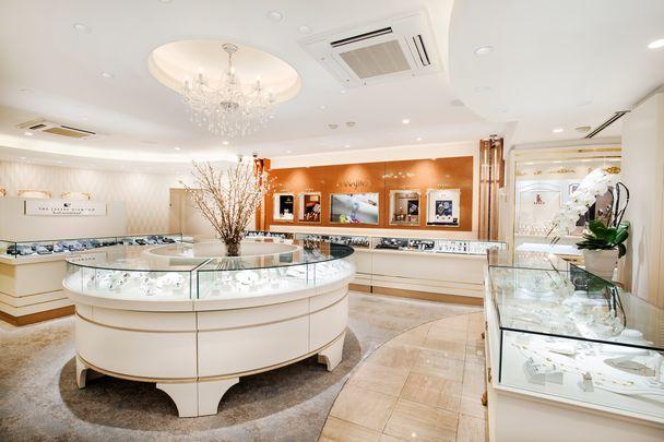 ハナジマ_1階宝石・時計フロアの写真