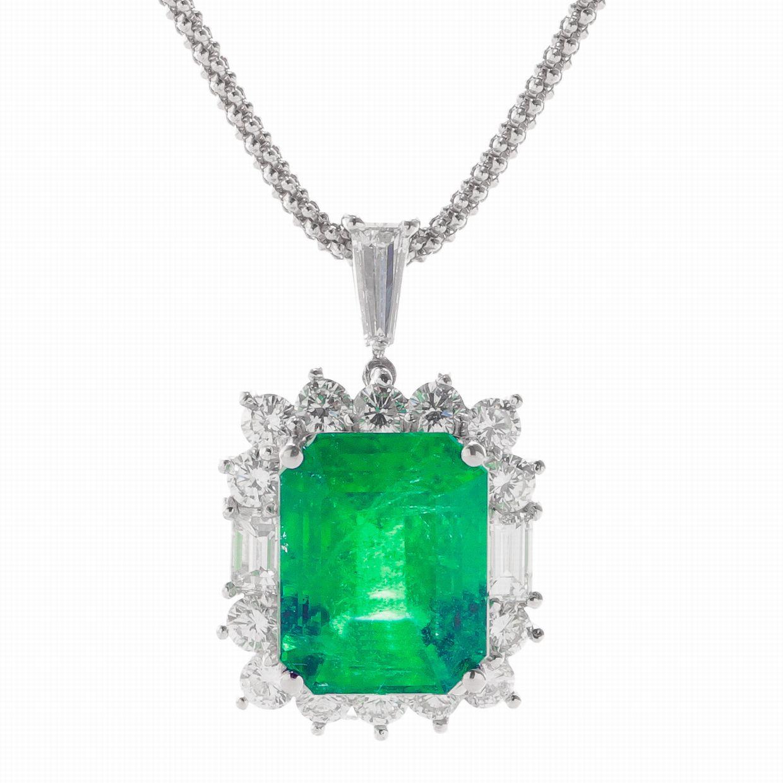 エメラルドとダイヤのペンダントネックレス01