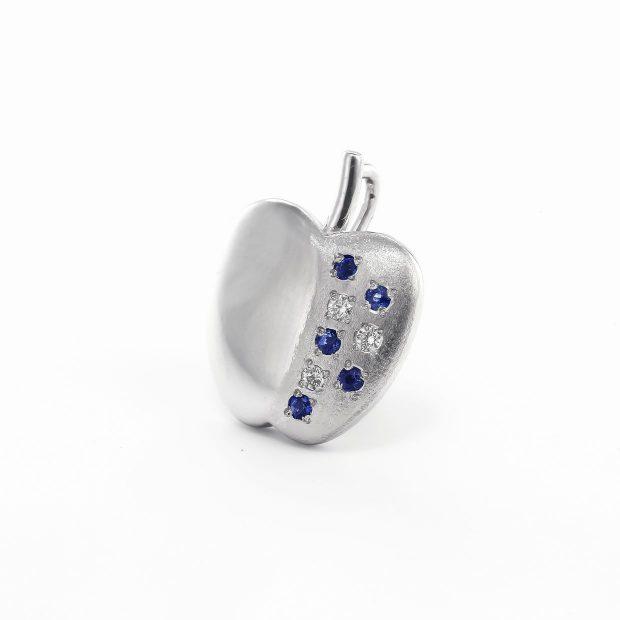 サファイアとダイヤモンドのペンダント04