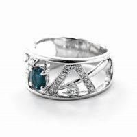 アレキサンドライトとダイヤモンドのリング03
