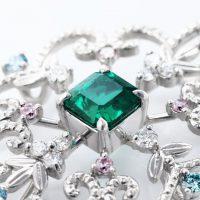 エメラルドとダイヤモンドのネックレス03