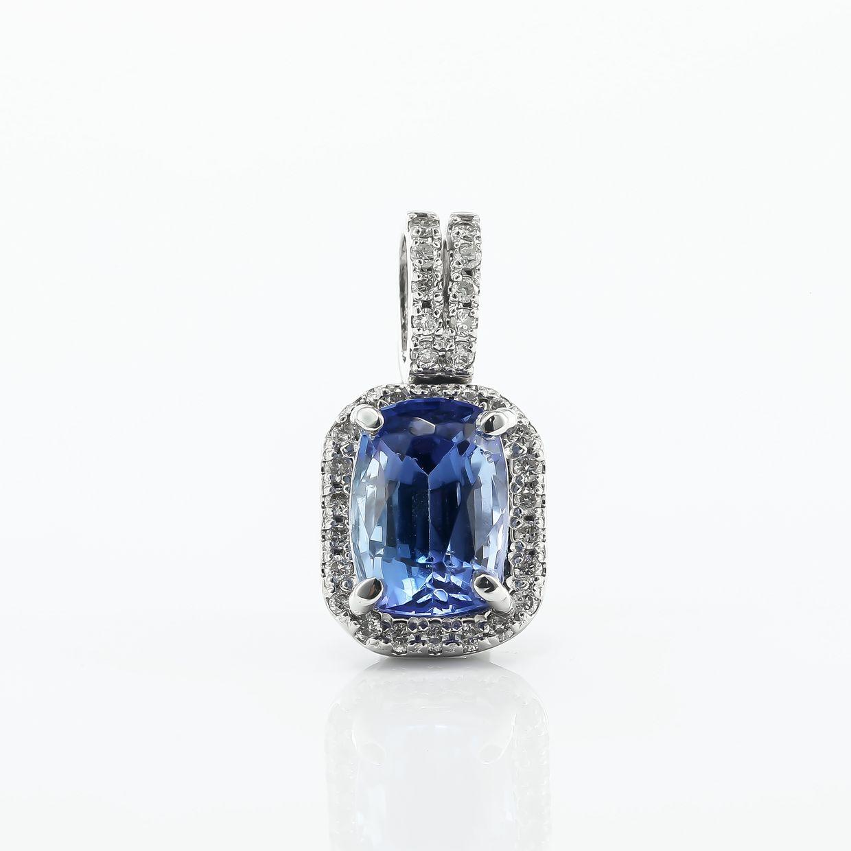 タンザナイトとダイヤモンドのネックレス02