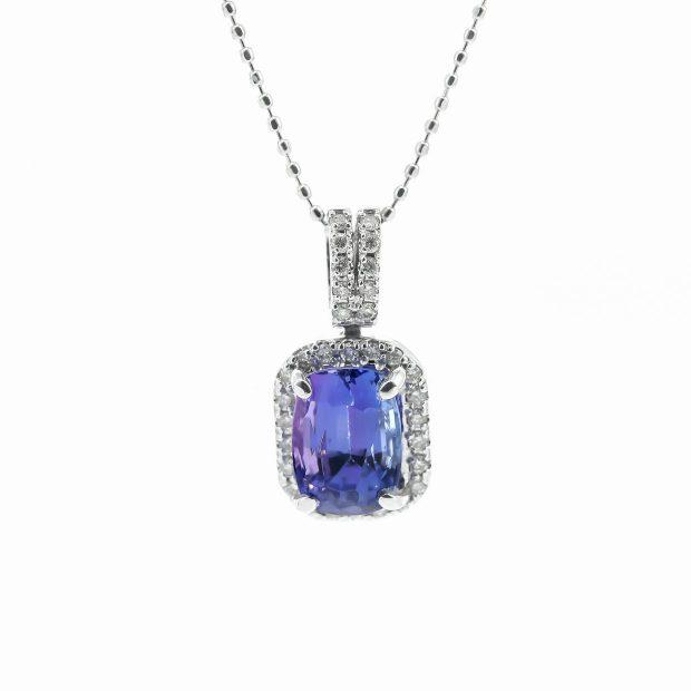 タンザナイトとダイヤモンドのネックレス04