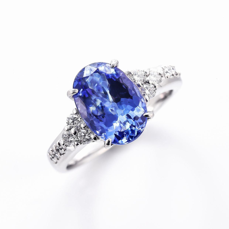 タンザナイトとダイヤモンドのリング01