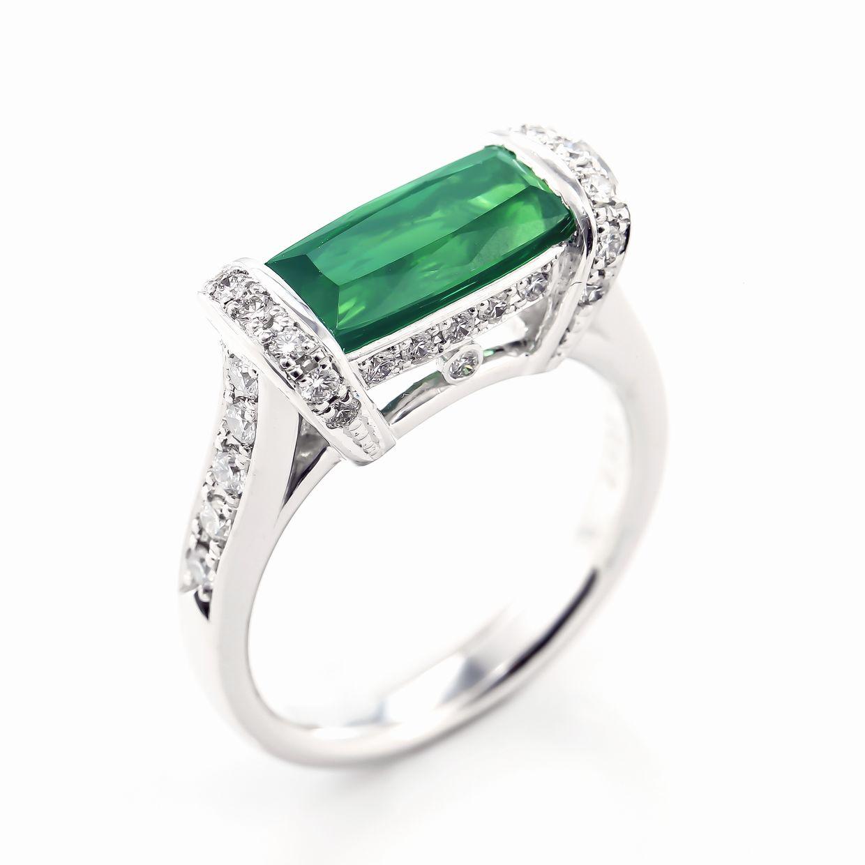 グリーントルマリンとダイヤモンドのリング02