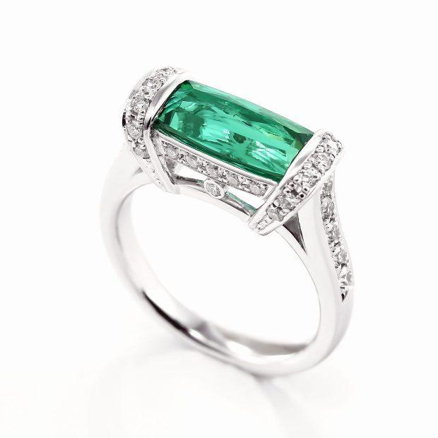 グリーントルマリンとダイヤモンドのリング04
