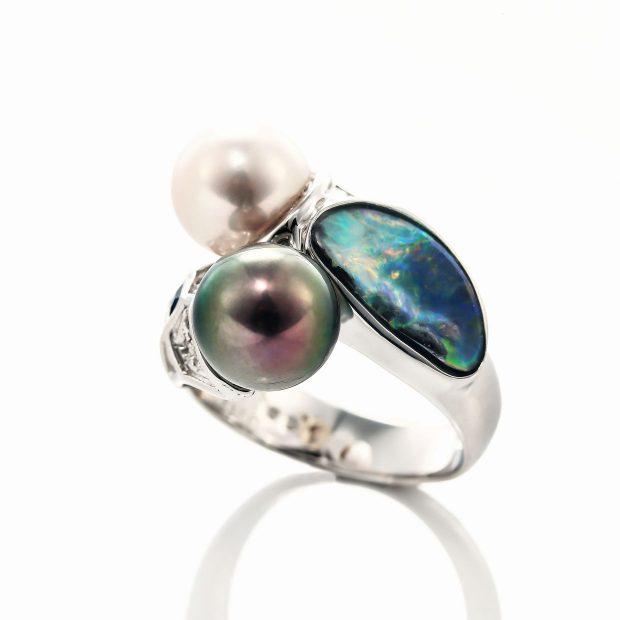 オパールとパール(真珠)のリング 04