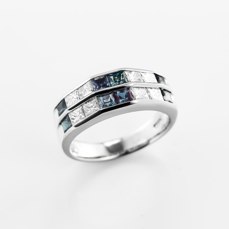 アレキサンドライトとダイヤモンドのプラチナリング2