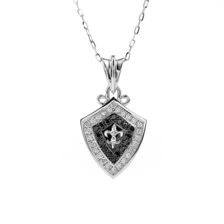 ブラックダイヤモンドとホワイトゴールドのペンダント1