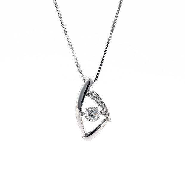 ダイヤモンドのネックレス 04