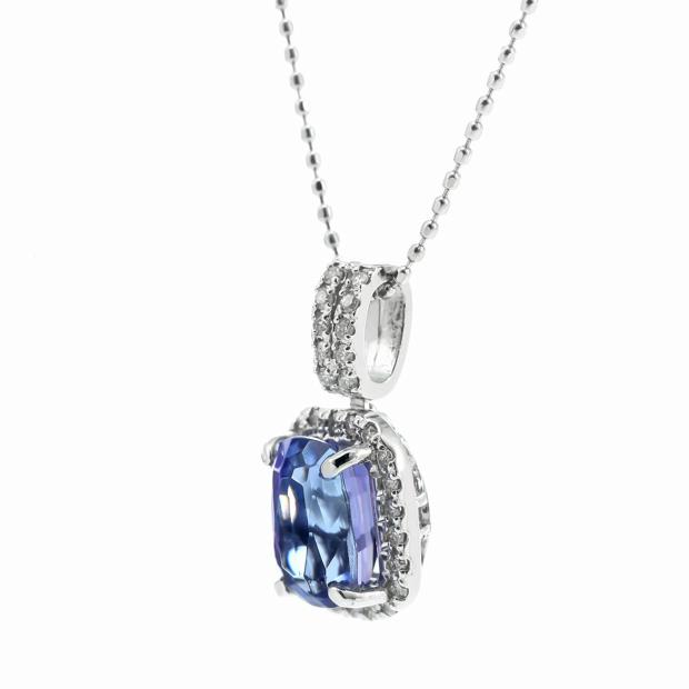 タンザナイトとダイヤモンドのネックレス
