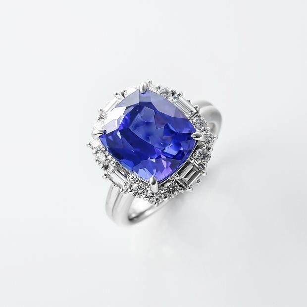 タンザナイトとダイヤのリング