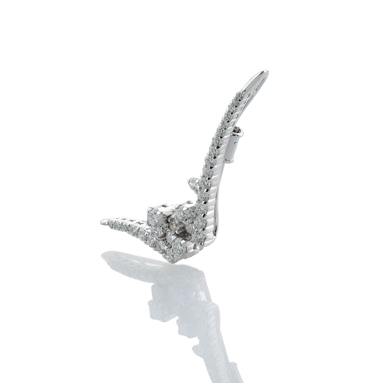 ダイヤモンドのブローチ 02