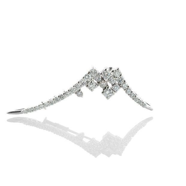 ダイヤモンドのブローチ 04